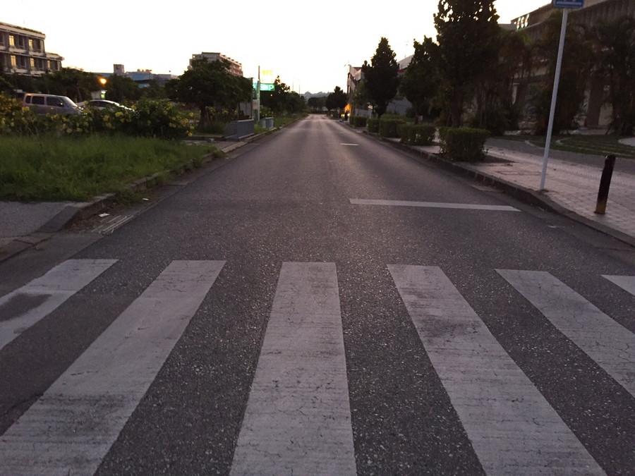 まっすぐの道