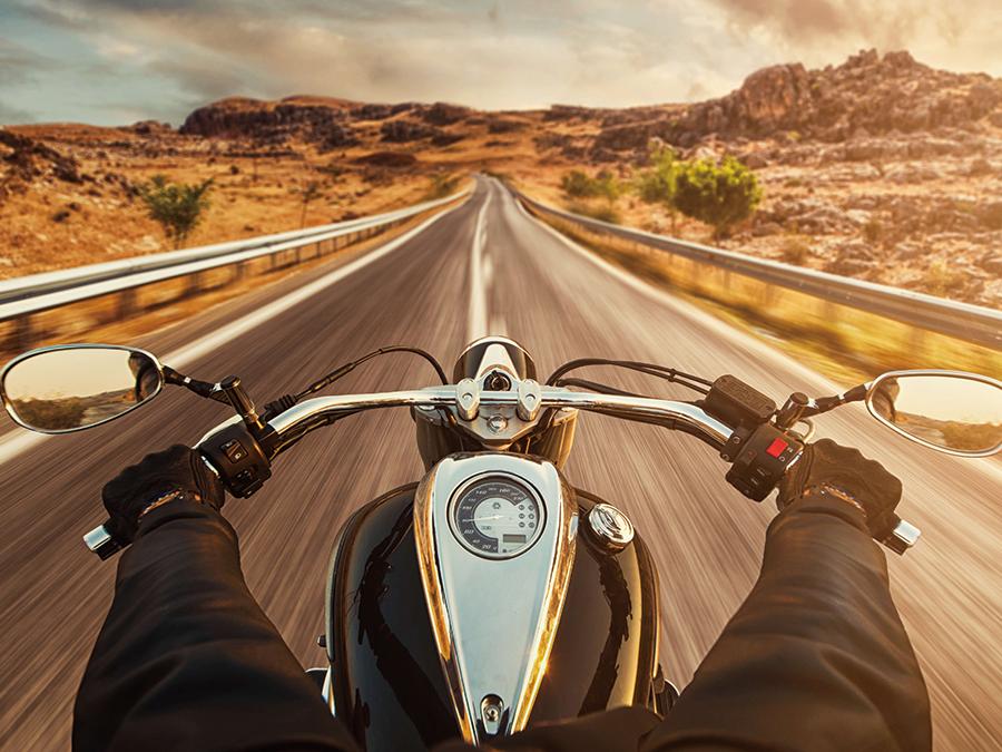バイクで走る光景